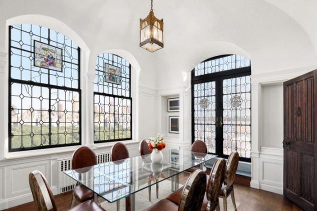 Il celebre stilista Giorgio Armani ha acquistato per 17 milioni di dollari un prestigioso attico a Manhattan con vista scenografica su Central Park