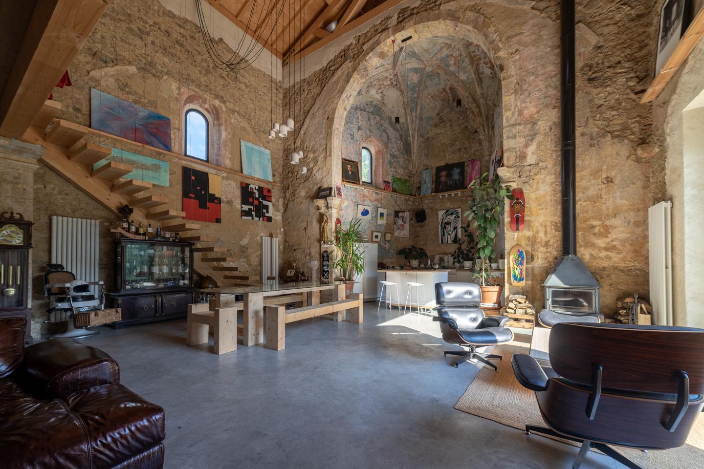 Chiesa del XVI secolo trasformata in lussuosa abitazione in vendita per 1,6 milioni